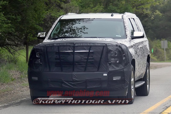 003-chevy-tahoe-spy-shots