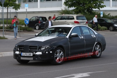 005-mercedes-benz-c-class-spy-shots