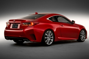 2015-Lexus-RC-rear-three-quarters