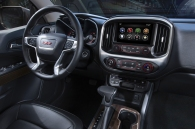 http---image.motortrend.com-f-roadtests-trucks-1401_2015_gmc_canyon_first_look-60391757-2015-GMC-Canyon-dash-view