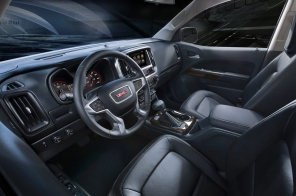 http---image.motortrend.com-f-roadtests-trucks-1401_2015_gmc_canyon_first_look-60391775-2015-GMC-Canyon-front-interior