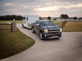 2016-chevrolet-silverado-high-country-with-trailer-003-1
